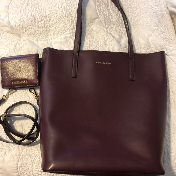 1a6b5eb02222 ... Emry Large Leather Tote (Plum). Michael Kors.  M 5b8570d642aa767966d555a0. M 5b8570d84cdc30127d1f8574.  M 5b8570dafb38030256701cbf